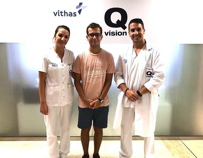 Clinica Qvision Becas adrian dona