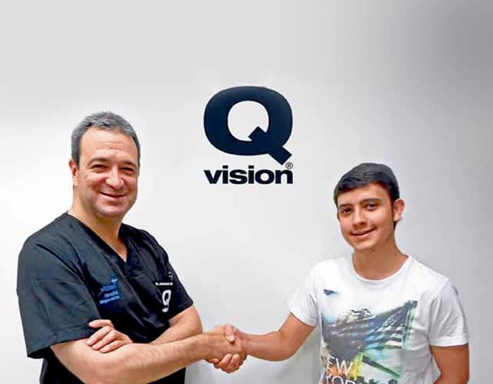 Clinica Qvision Becas diego gazquez