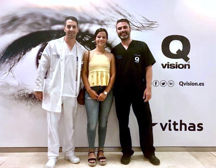 Clinica Qvision Becas raquel monico
